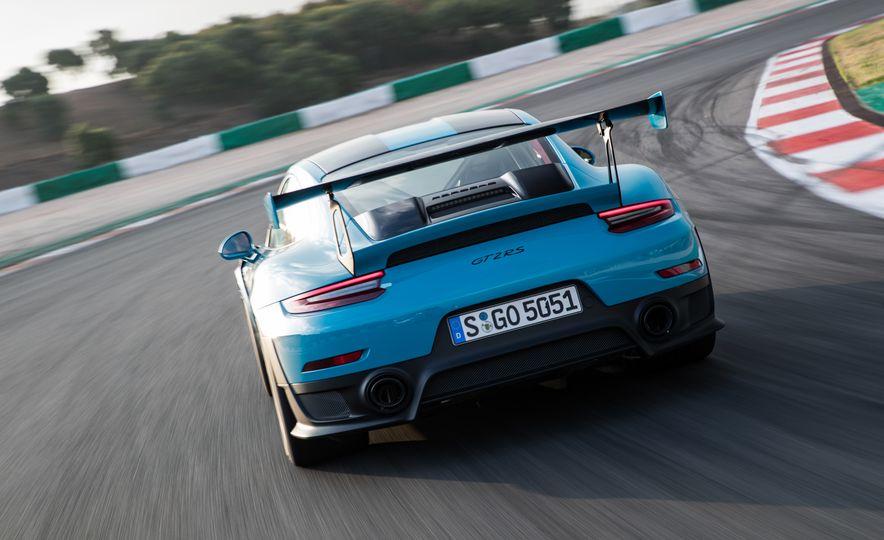 2018 Porsche 911 GT2 RS - Slide 12