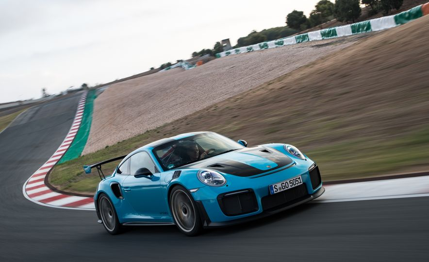 2018 Porsche 911 GT2 RS - Slide 17