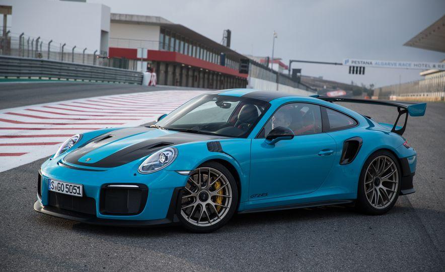 2018 Porsche 911 GT2 RS - Slide 22