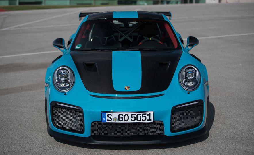 2018 Porsche 911 GT2 RS - Slide 24