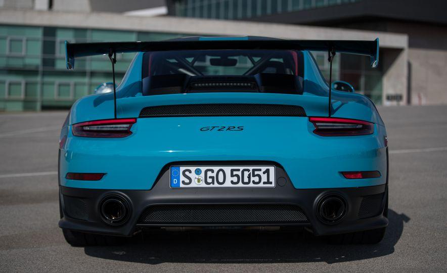 2018 Porsche 911 GT2 RS - Slide 26