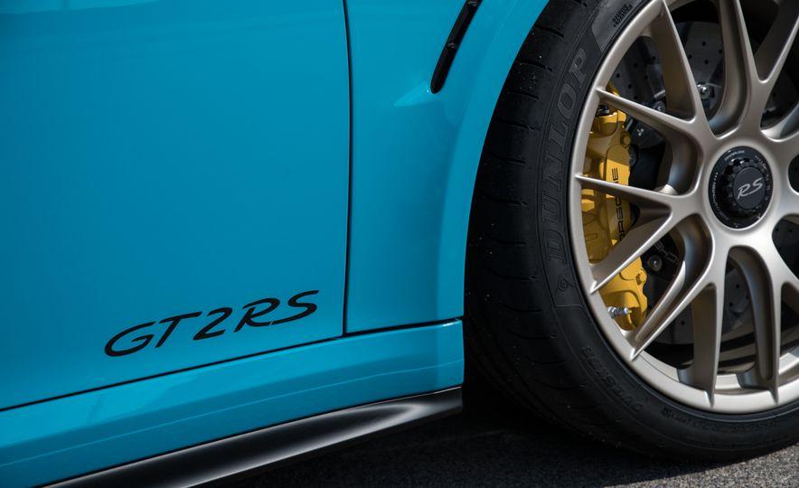 2018 Porsche 911 GT2 RS - Slide 32