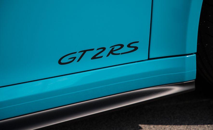 2018 Porsche 911 GT2 RS - Slide 33