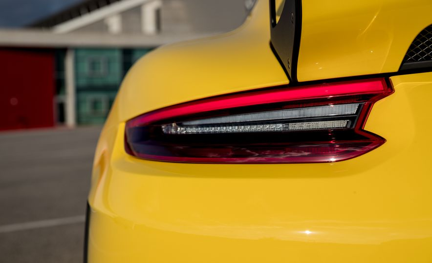 2018 Porsche 911 GT2 RS - Slide 58