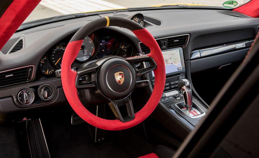2018 Porsche 911 GT2 RS - Slide 62
