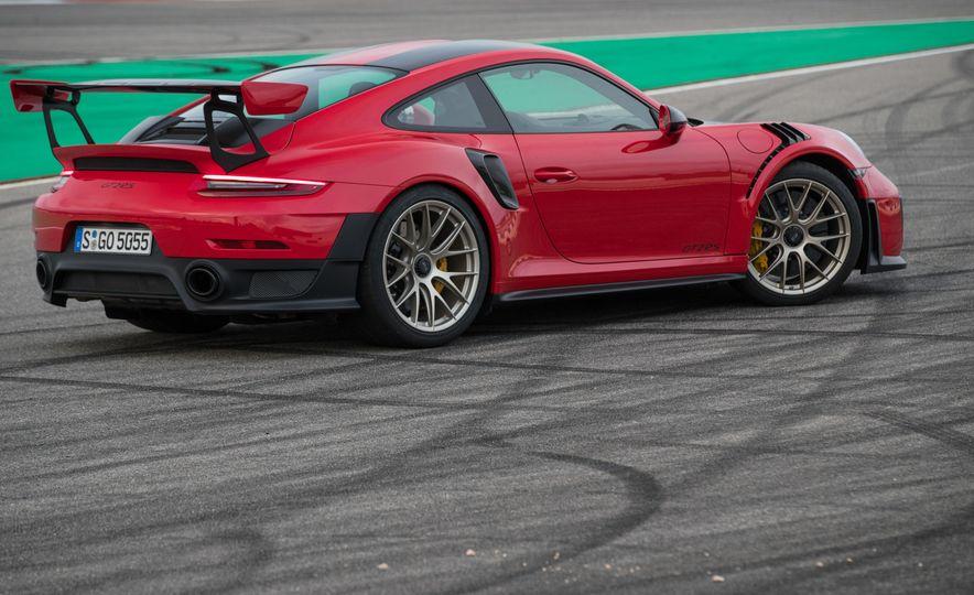 2018 Porsche 911 GT2 RS - Slide 70