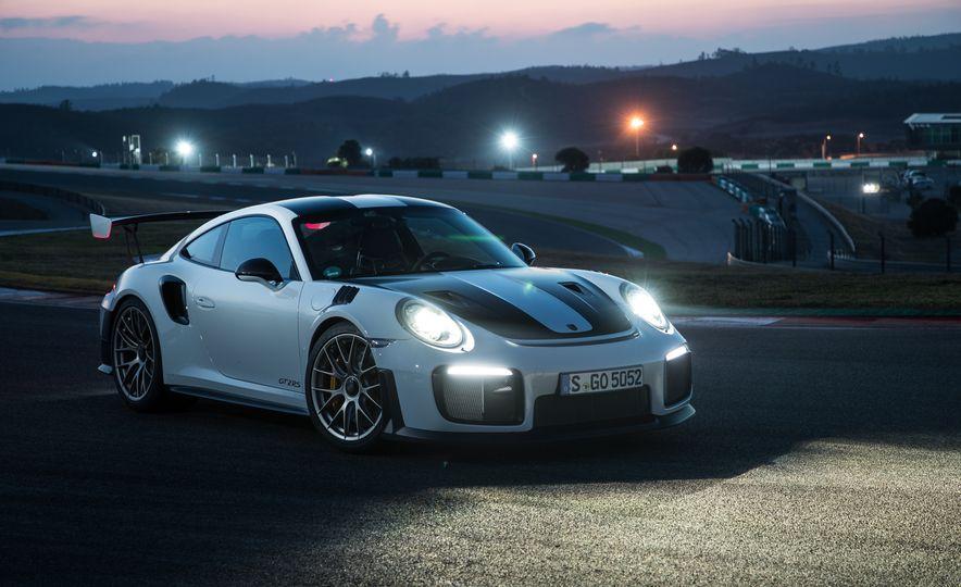 2018 Porsche 911 GT2 RS - Slide 82