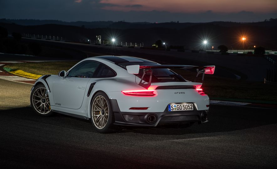 2018 Porsche 911 GT2 RS - Slide 83