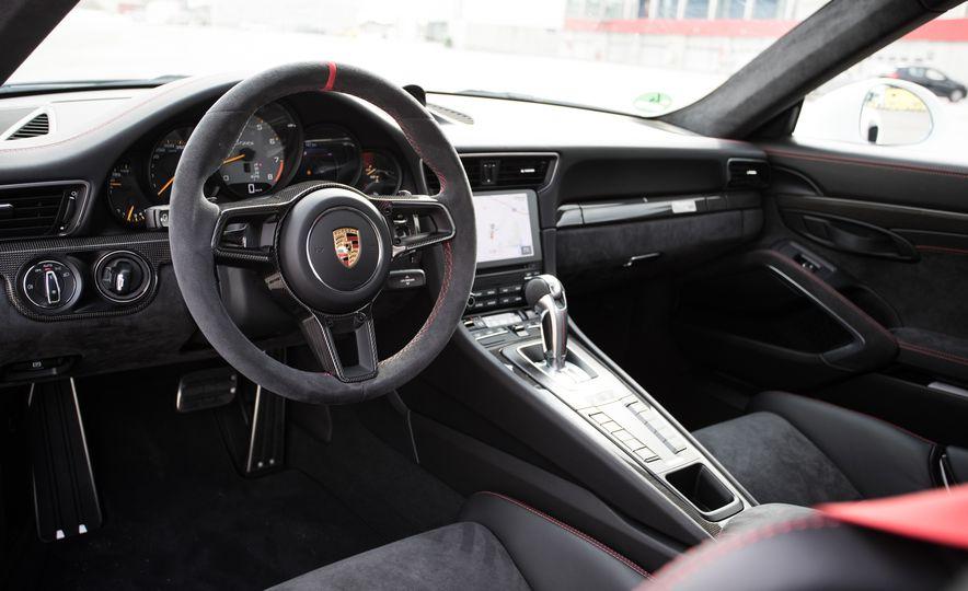 2018 Porsche 911 GT2 RS - Slide 84