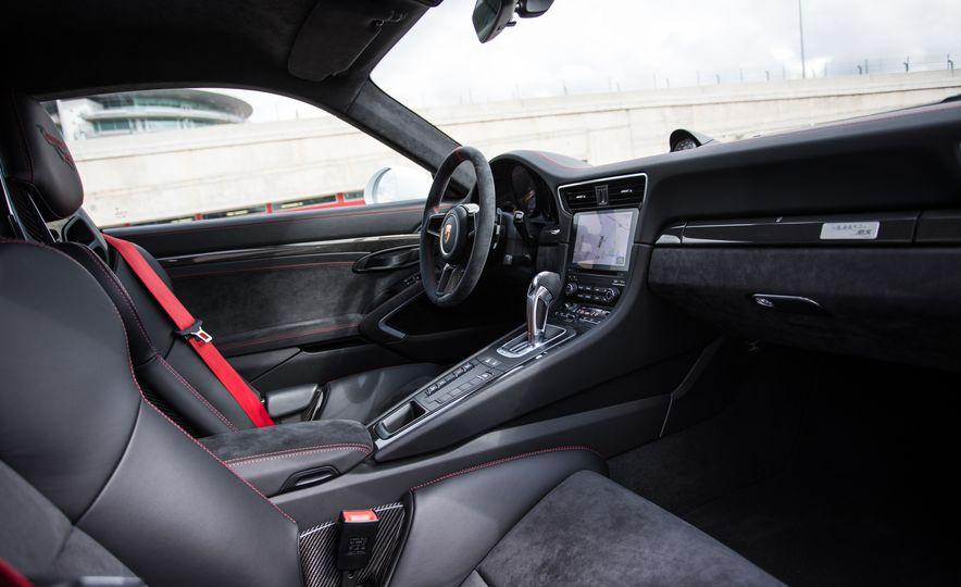 2018 Porsche 911 GT2 RS - Slide 88