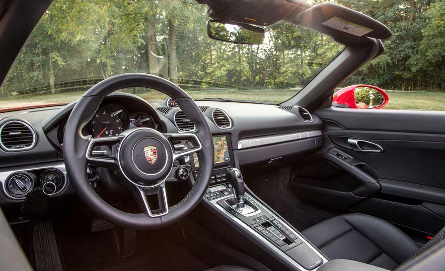 2018 10Best Cars - Slide 117