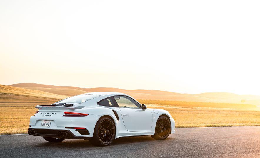 2018 Porsche 911 Turbo S Exclusive - Slide 23