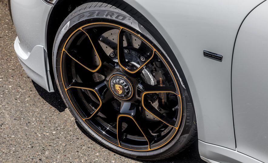 2018 Porsche 911 Turbo S Exclusive - Slide 29