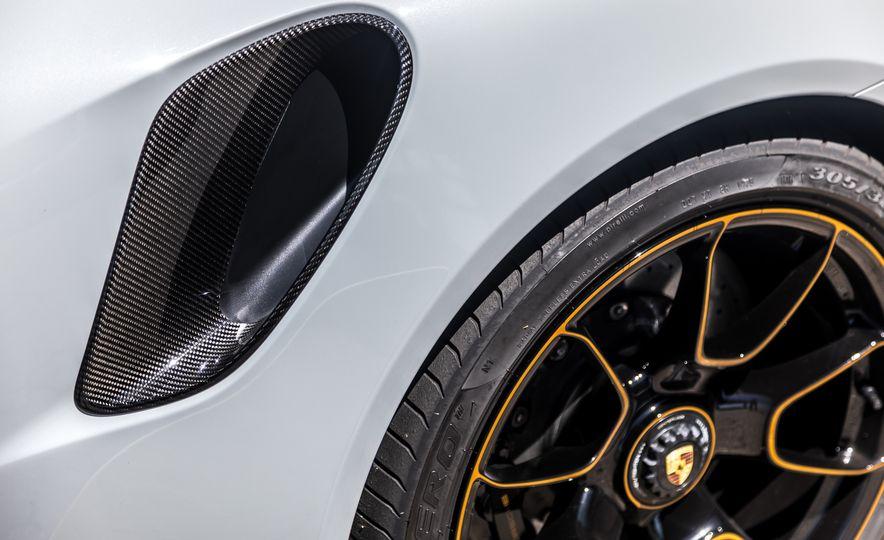 2018 Porsche 911 Turbo S Exclusive - Slide 30