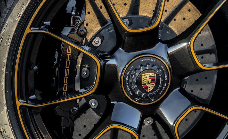 2018 Porsche 911 Turbo S Exclusive - Slide 32