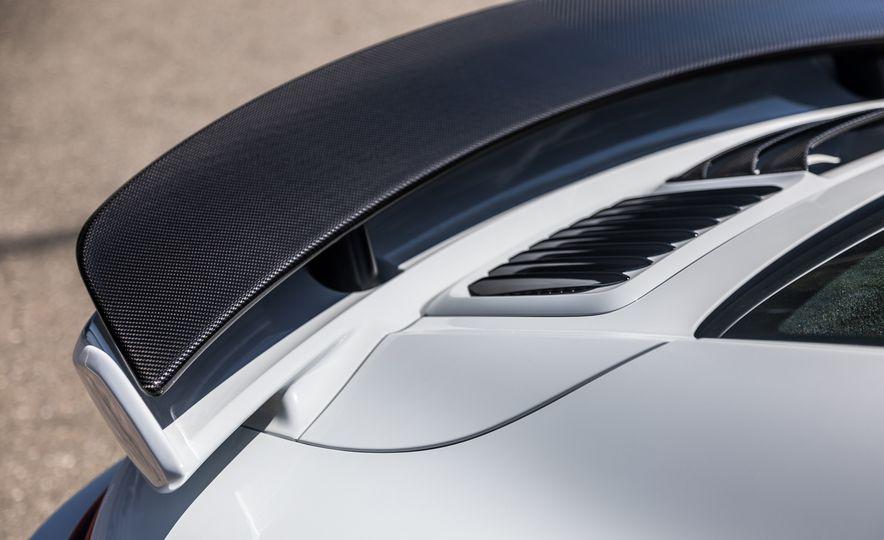 2018 Porsche 911 Turbo S Exclusive - Slide 34