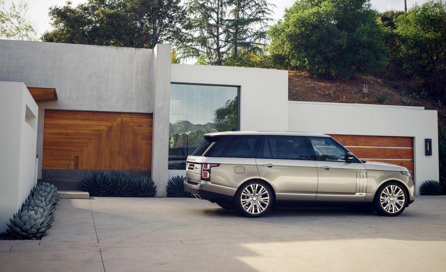 2018 Land Rover Range Rover SVAutobiography LWB - Slide 4