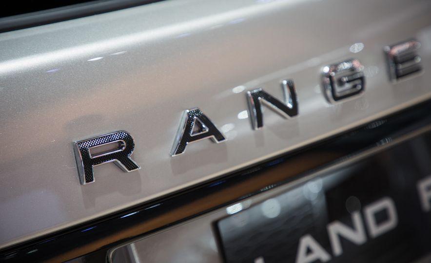 2018 Land Rover Range Rover SVAutobiography LWB - Slide 26