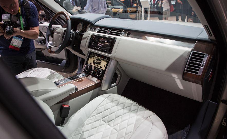 2018 Land Rover Range Rover SVAutobiography LWB - Slide 28