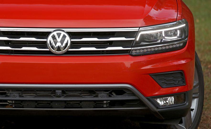 2018 Volkswagen Tiguan FWD - Slide 10