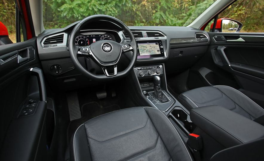 2018 Volkswagen Tiguan FWD - Slide 18