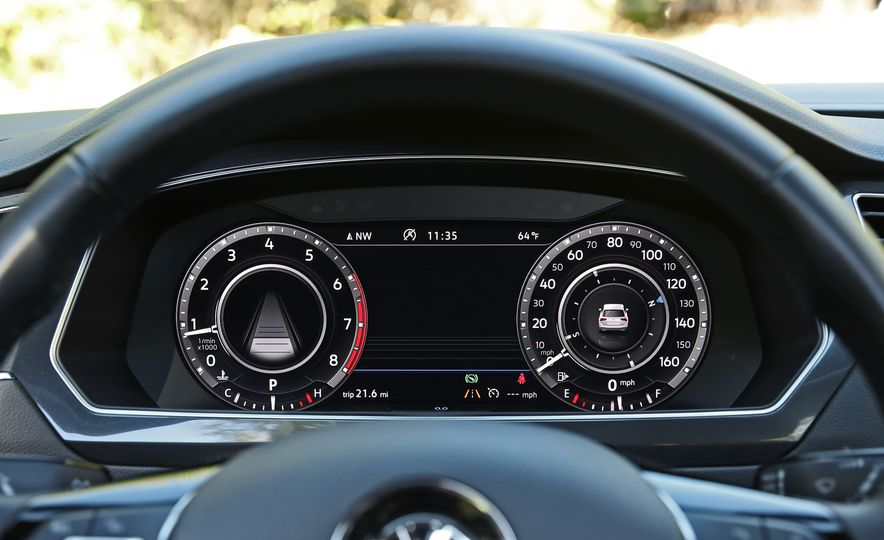 2018 Volkswagen Tiguan FWD - Slide 20