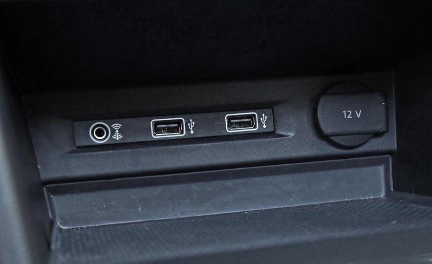 2018 Volkswagen Tiguan FWD - Slide 25