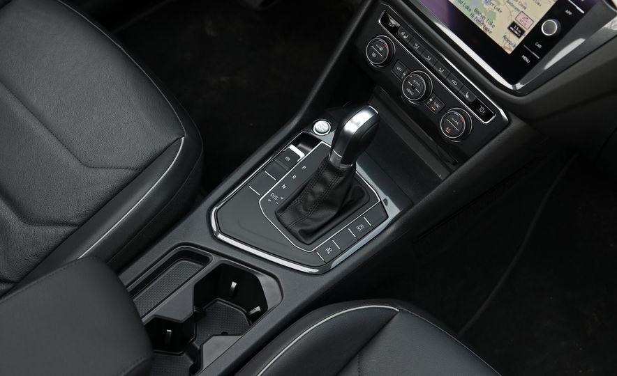2018 Volkswagen Tiguan FWD - Slide 26