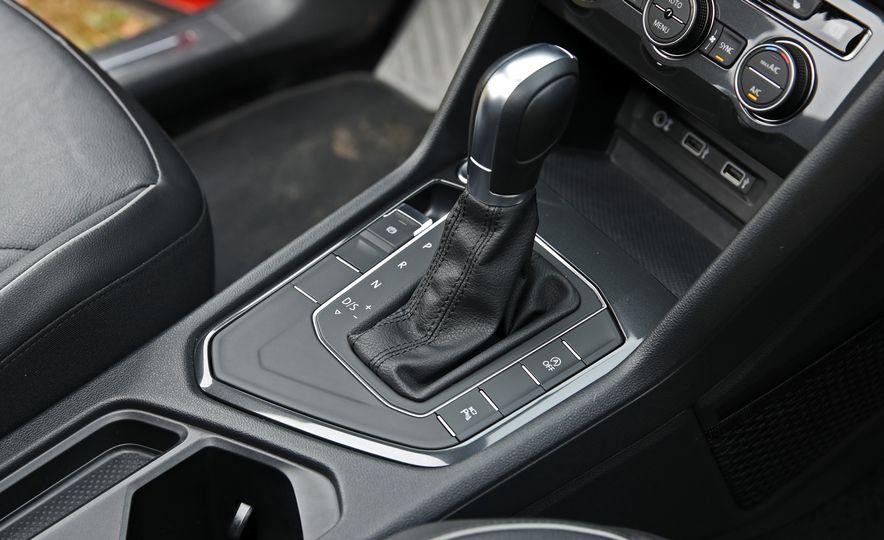 2018 Volkswagen Tiguan FWD - Slide 27
