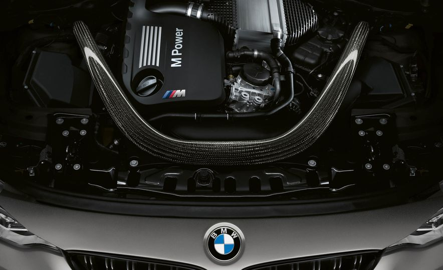 2018 BMW M3 CS - Slide 26