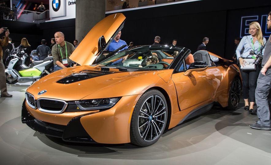 2019 BMW i8 coupe and 2019 BMW i8 roadster - Slide 53