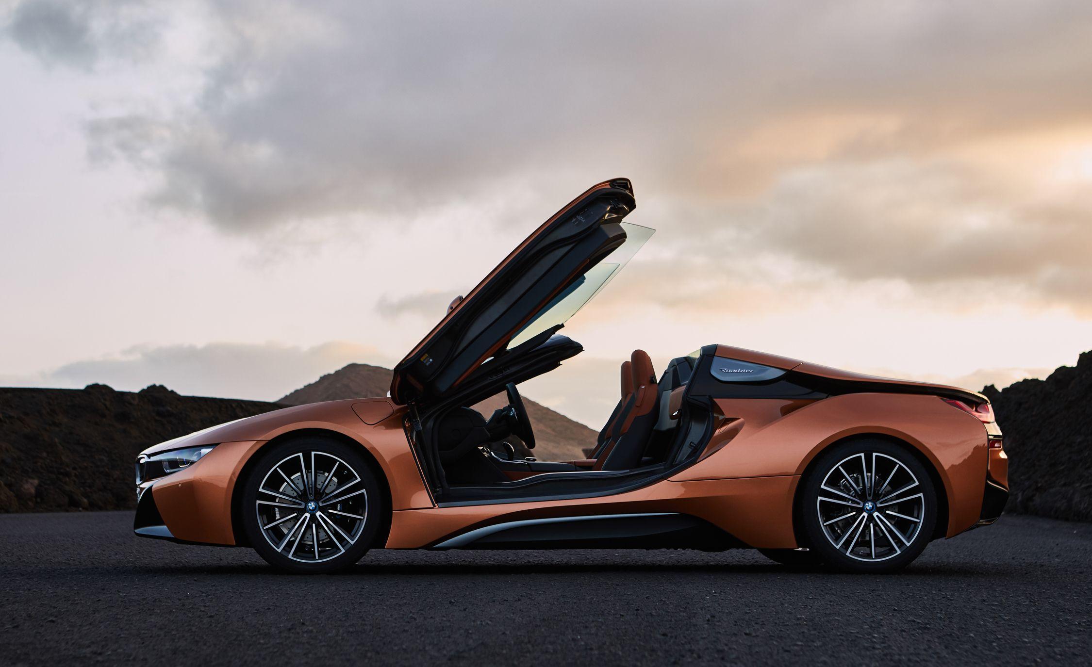 BMW I Reviews BMW I Price Photos And Specs Car And Driver - A bmw i8