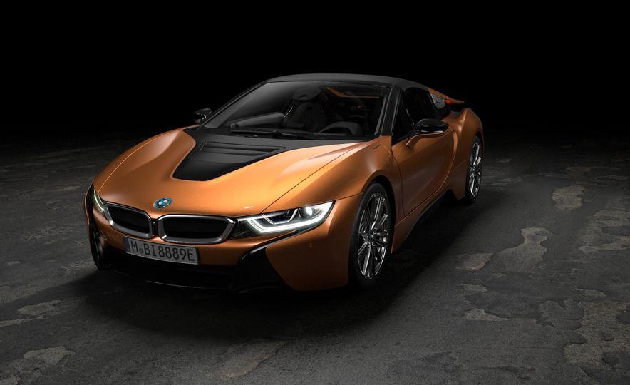 2019 BMW i8 coupe and 2019 BMW i8 roadster - Slide 23