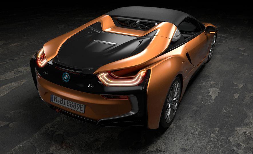 2019 BMW i8 coupe and 2019 BMW i8 roadster - Slide 24