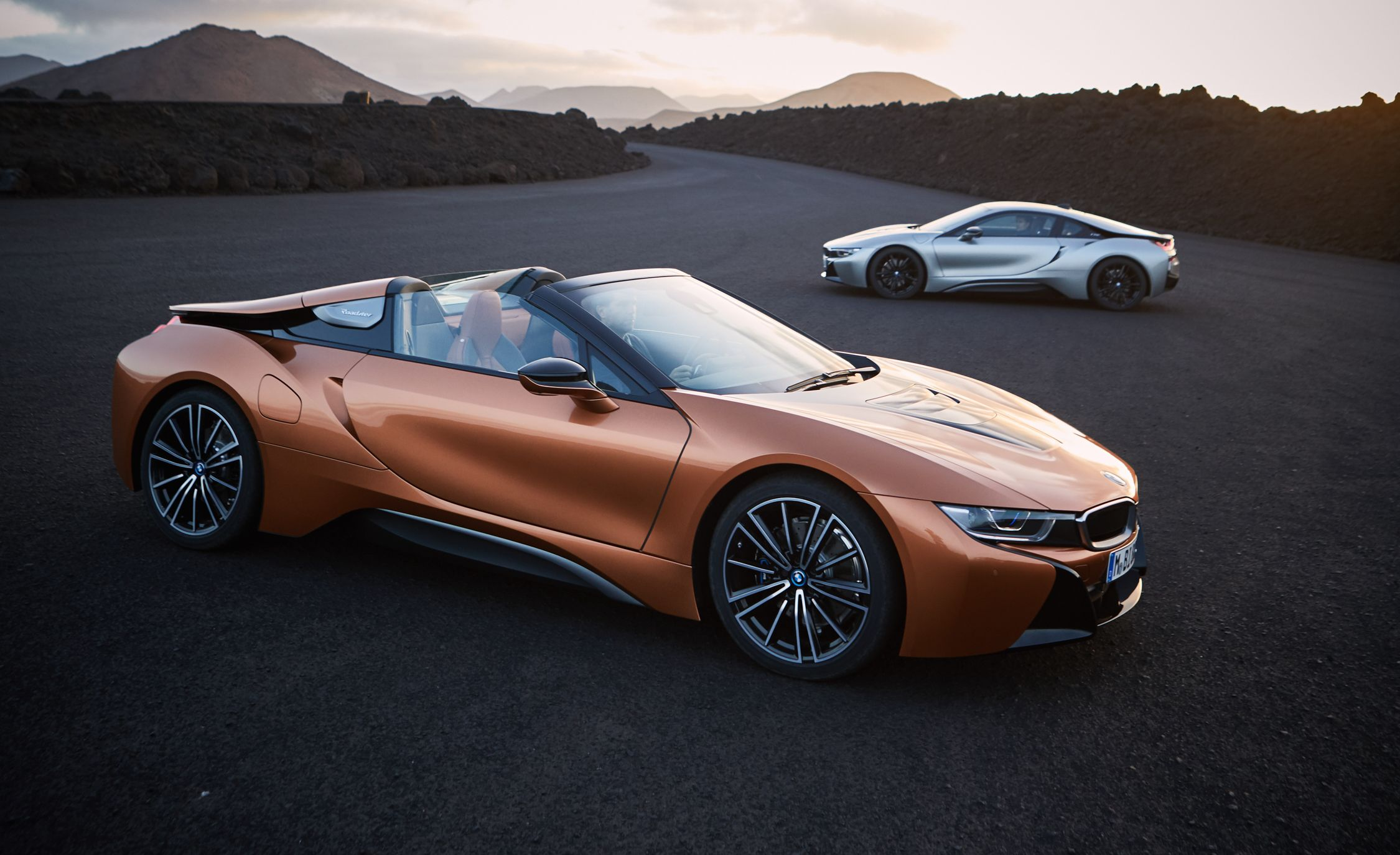 BMW I Reviews BMW I Price Photos And Specs Car And Driver - 2014 bmw i8 msrp