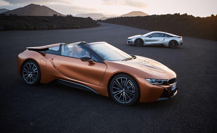 2019 BMW i8 coupe and 2019 BMW i8 roadster - Slide 4