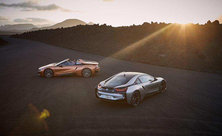 2019 BMW i8 coupe and 2019 BMW i8 roadster - Slide 5