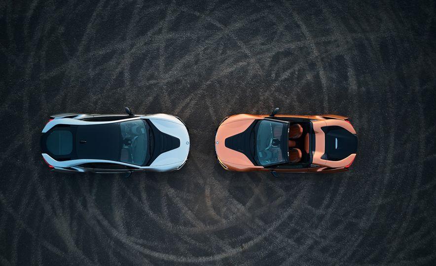 2019 BMW i8 coupe and 2019 BMW i8 roadster - Slide 6