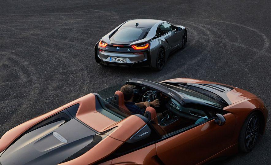 2019 BMW i8 coupe and 2019 BMW i8 roadster - Slide 7