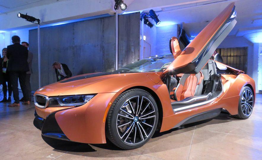 2019 BMW i8 coupe and 2019 BMW i8 roadster - Slide 37