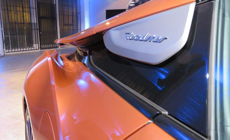 2019 BMW i8 coupe and 2019 BMW i8 roadster - Slide 44