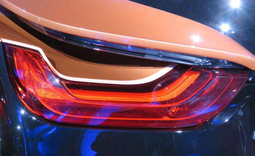 2019 BMW i8 coupe and 2019 BMW i8 roadster - Slide 48