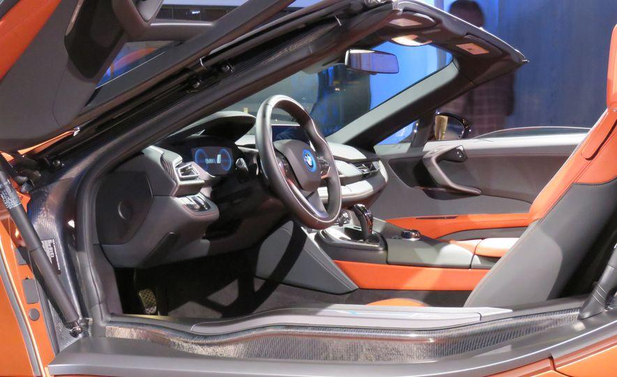 2019 BMW i8 coupe and 2019 BMW i8 roadster - Slide 49