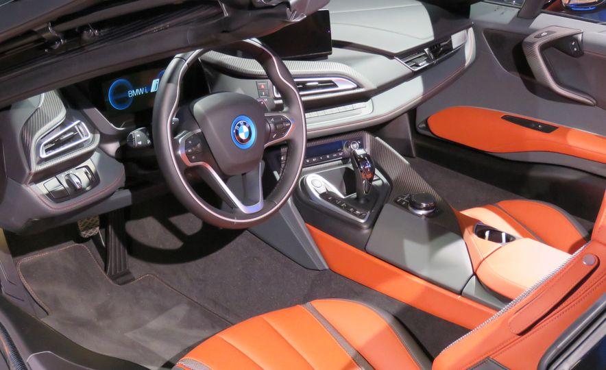 2019 BMW i8 coupe and 2019 BMW i8 roadster - Slide 50