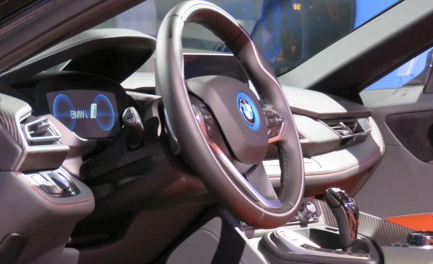 2019 BMW i8 coupe and 2019 BMW i8 roadster - Slide 51