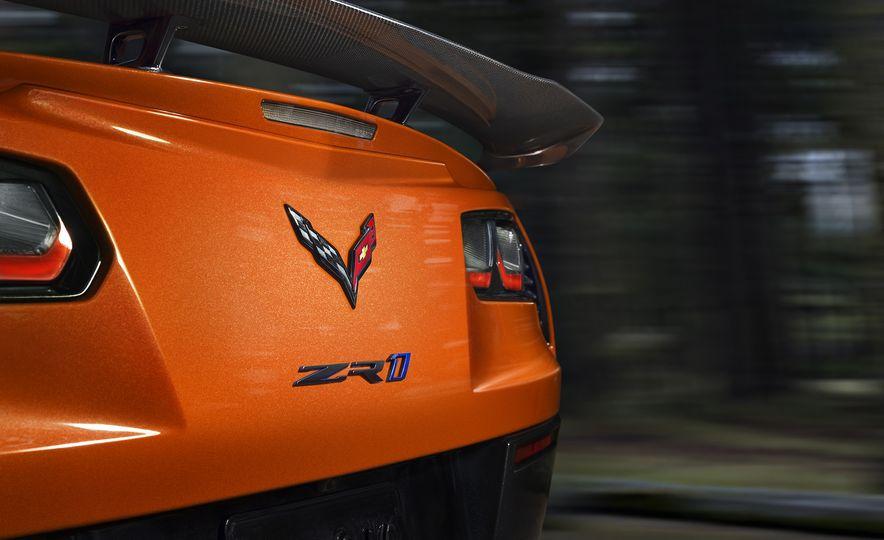 2019 Chevrolet Corvette ZR1 - Slide 24