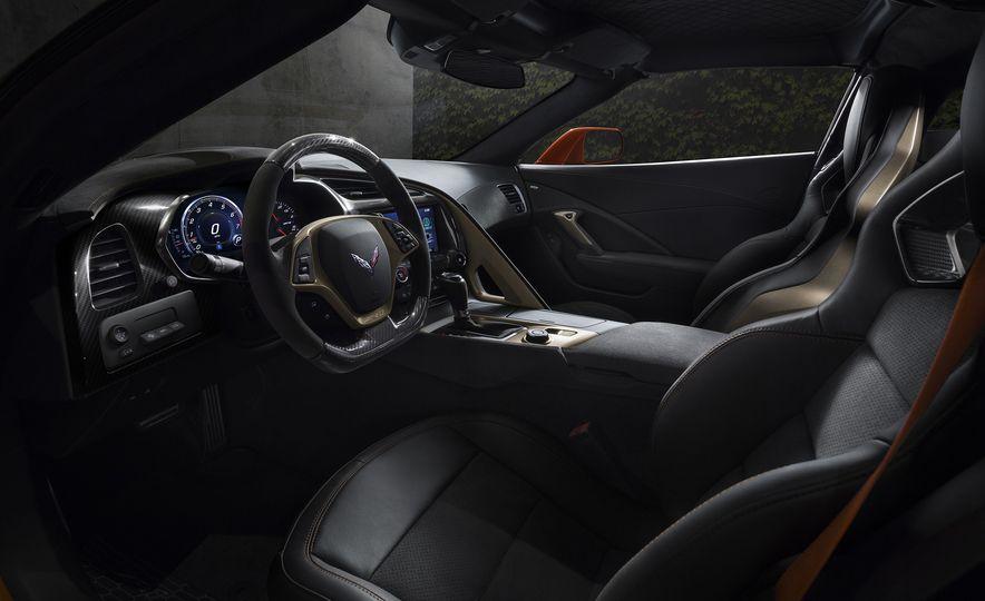 2019 Chevrolet Corvette ZR1 - Slide 25