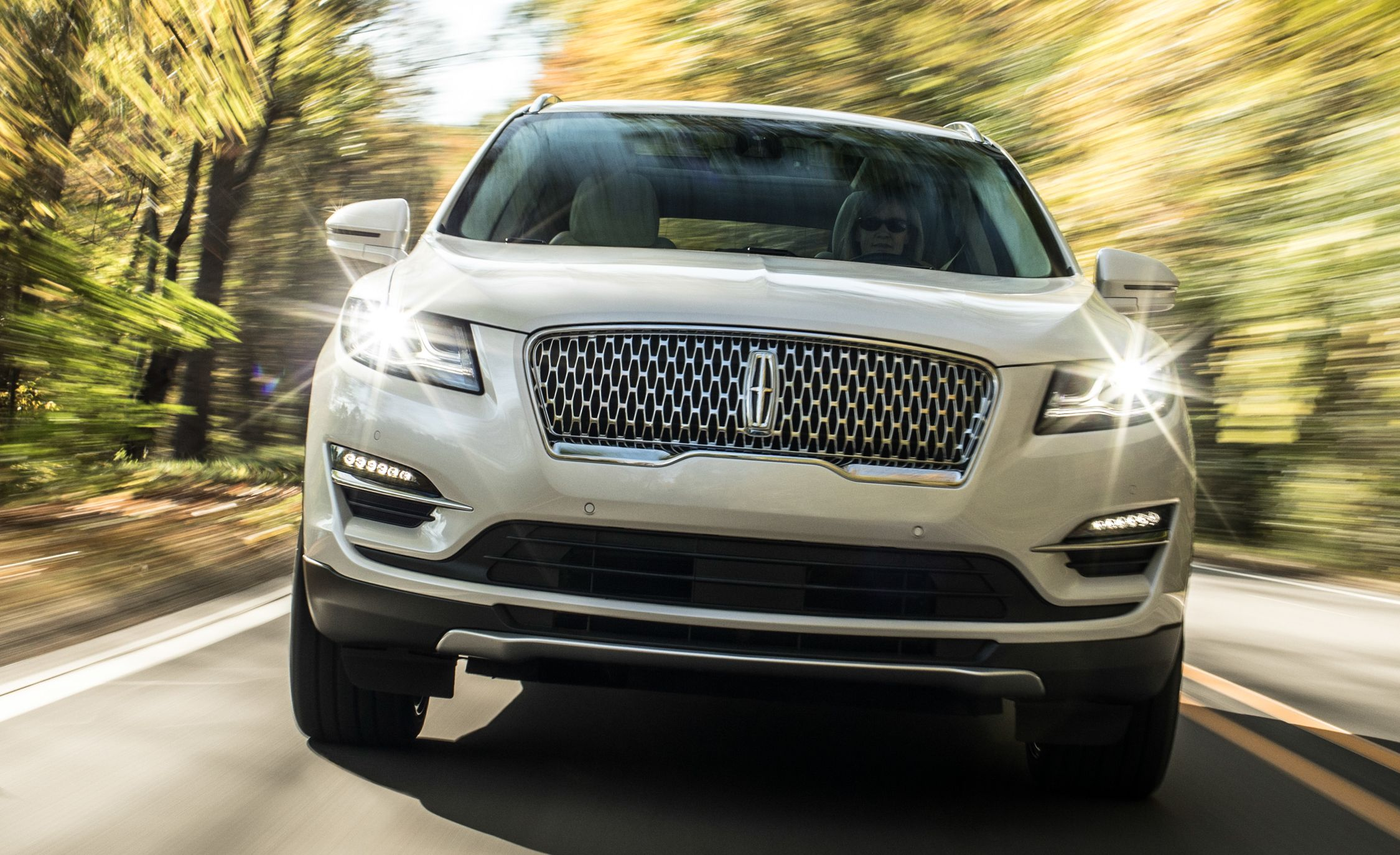 2019 Lincoln Mkc Reviews Price Photos And Specs Car Driver