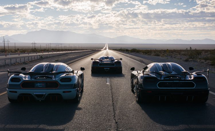 Koenigsegg Hits 277.9 MPH, Setting Production-Car Speed Record on Public Road in Nevada! [Video]