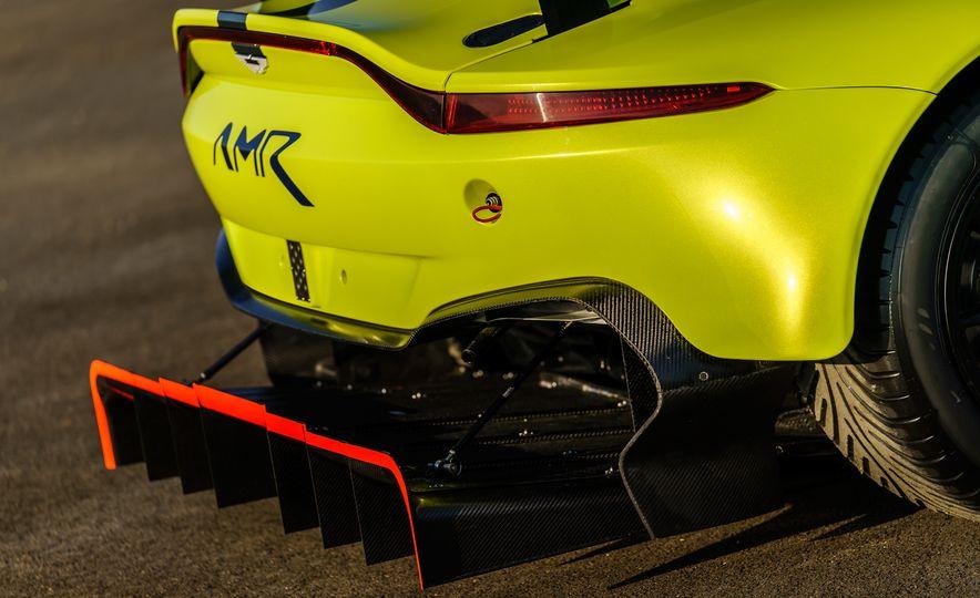 Aston Martin Vantage GTE race car - Slide 12